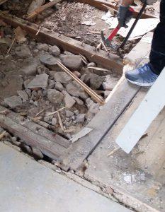 bryt-upp-kofot-och-hammare